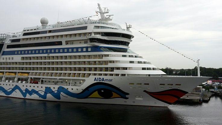 #Warnemünde #Rostock #MecklenburgVorpommern #Aida #AidaMar #AidaCruises #RostockPort #Cruiseterminal #Hafen #Schiff #Kreuzfahrtschiff #Ostsee #nofilter