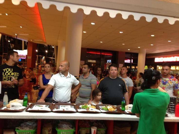 Toamna se numara bobocii. La Mesopotamia se numara clientii:). Va asteptam si in aceasta toamna sa mancati cea mai buna pizza, salate, si kebab! www.mesopotamia.ro