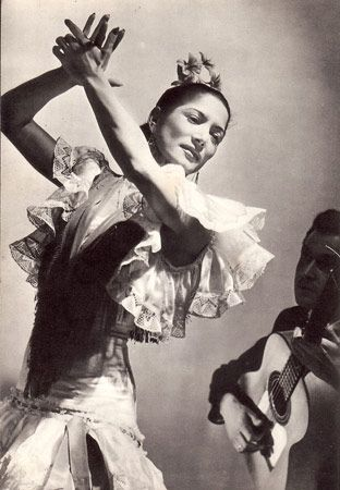 Carmen Amaya, the world's most exceptional Flamenca. Her footwork is unreal!