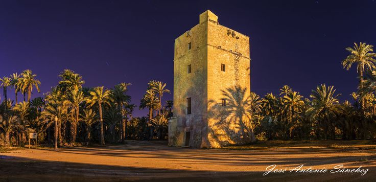 Torre de Vaillo, noche. by José Antonio Sánchez on 500px