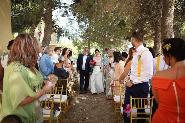 walking on the aisle with her father - emotional moments #weddingceremony #chapelwedding #getmarriedingreece #kefalonia
