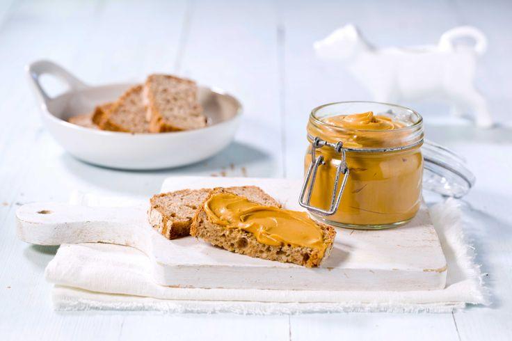 Kjøp ferdig prim i butikken - eller lag den selv hjemme på ditt eget kjøkken. Dette deilige, smørbare pålegget laget av rester av brunost kommer til å falle i smak, spesielt hos de minste.