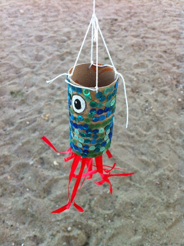 An octopus out of a toilet paper roll! Perfect craft when learning about ocean animals.