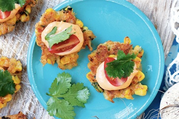 Crab & corn cakes with spicy tomato mayo main image
