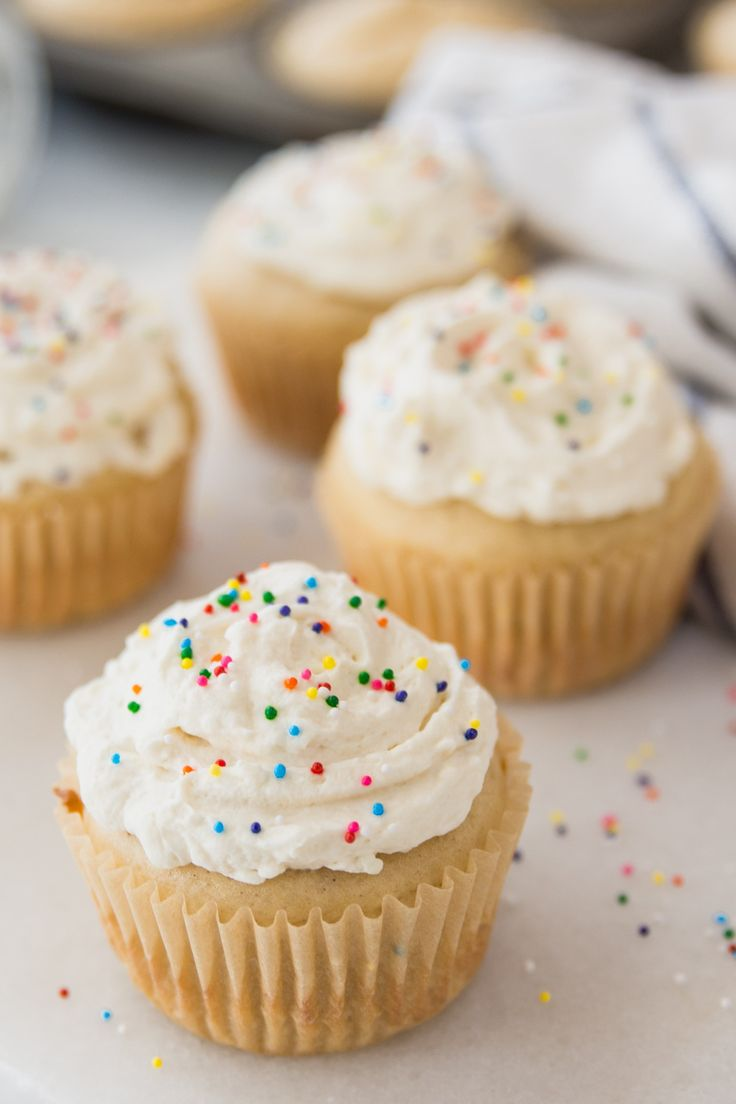 French Yogurt Cupcakes from the book Bringing Up Bebe are an easy recipe that the kids will love helping with! #cake #cupcakes #sweet #French | carrieonbaking.com