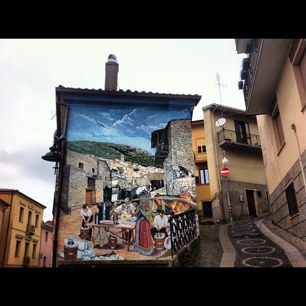 Autunno in Barbagia 2012 #sardegna #sardinia #barbagia #aritzo #igersardegna #murales @felyv