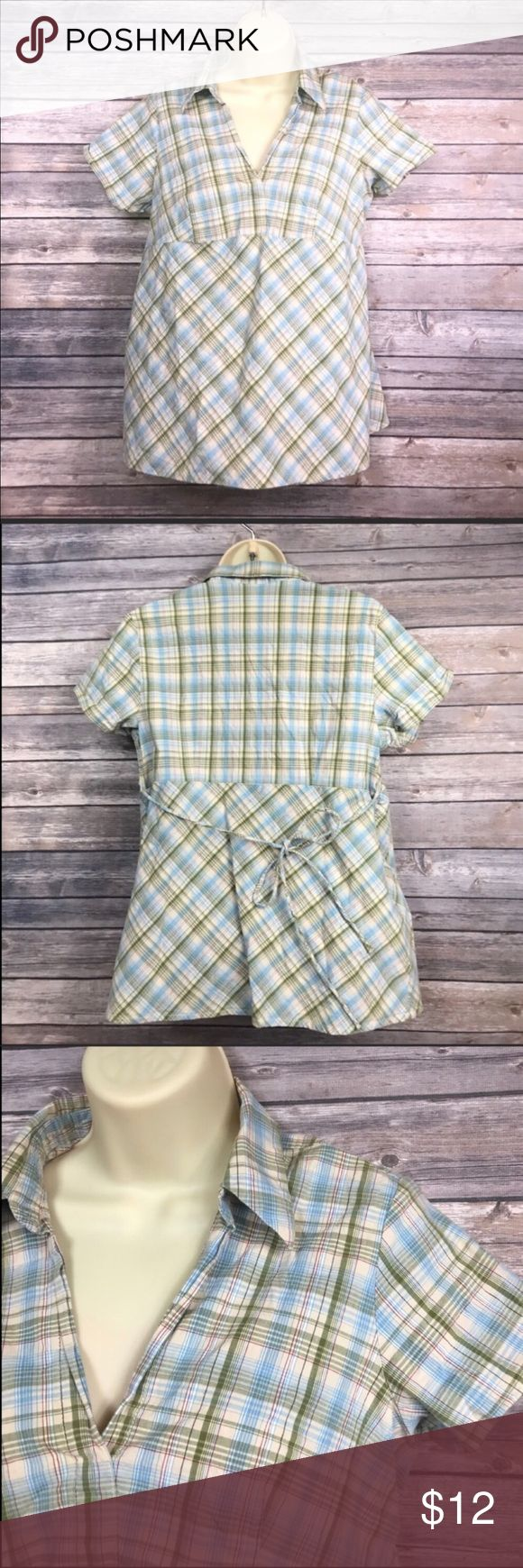 L Motherhood Maternity short sleeve top Cute pattern for spring/summer!  Has tie back and shirt sleeves.  Size Large. Motherhood Maternity Tops