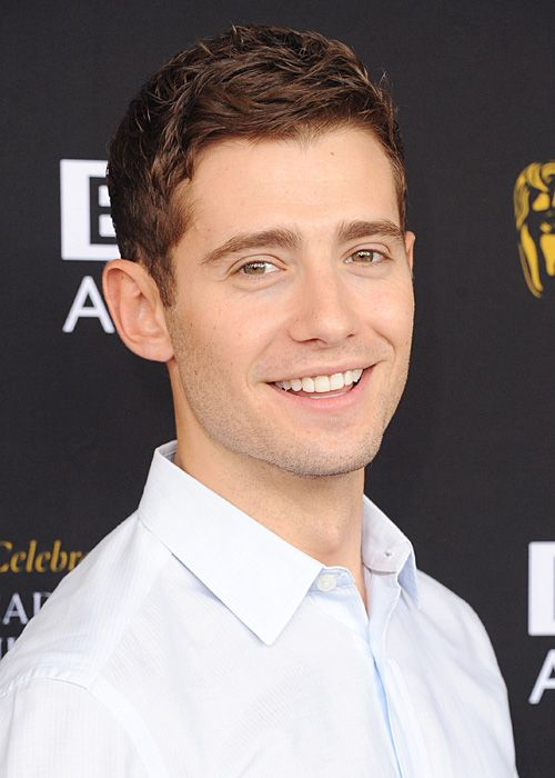 Julian Morris, AKA Prince Phillip from Once Upon A Time and Wren from Pretty Little Liars. GAH. I need to use him as a hero in one of my novels.