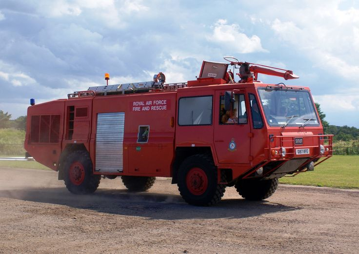 https://flic.kr/p/vKNHiG | Royal Air Force Firefighting & Rescue Service Simon 4x4 Crash Tender | Newark Emergency Services Show 2015