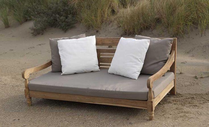 Houten loungebank met kussens lounge - Houten bed ...
