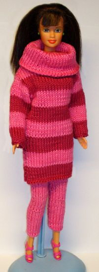 KNITTING  FREE  PATTERN! A tip for you who knows how to handle the needles... which I don't, visit this site, there are so many awesome patterns to download in many languages! http://www.stickatillbarbie.se/images/851-900/875x.jpg