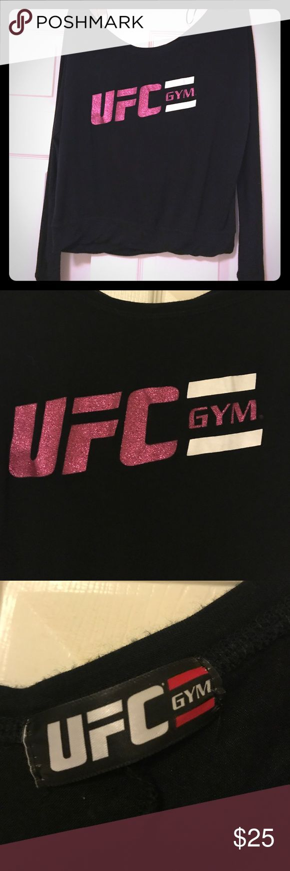 FLASH SALE❄️UFC GYM Top👊🏻 No fading✔️Glitter UFC logo ✔️Soft and has stretch~rayon and spandex blend✔️Scoop Neck✔️approx measurements laid flat:length 23 in,sleeve 27 in✔️Bundle for better deals⚫️ Tops Tees - Long Sleeve