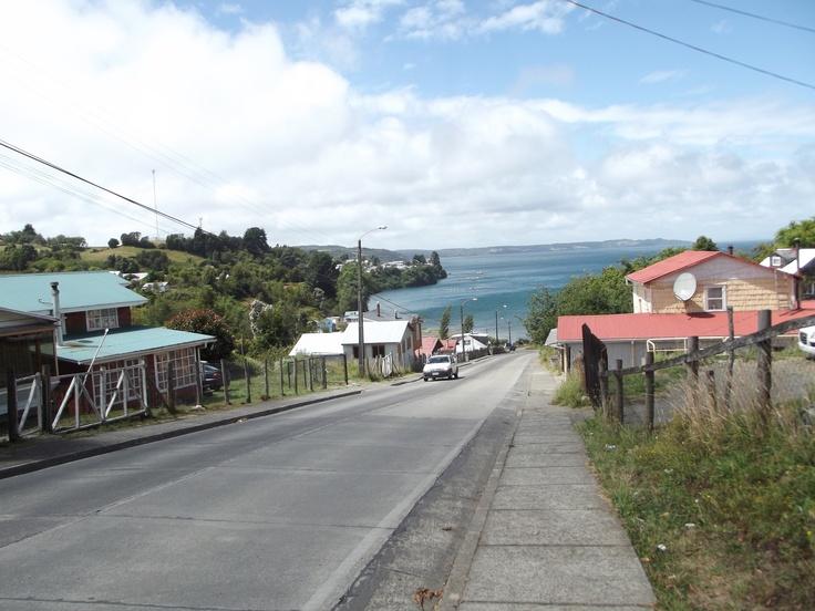 Entrada al pueblo de Quemchi, Isla grande de Chiloé.