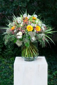 RHAPIS aranžovanie živých a suchých kvetov, svadobné kytice, výzdoba interiérov črepníkovými rastlinami, zakladanie záhrad Zľava: 10%; 15% VIP; 15% young