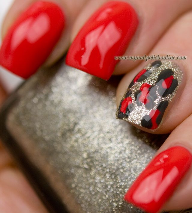 Accent nail with leopard print