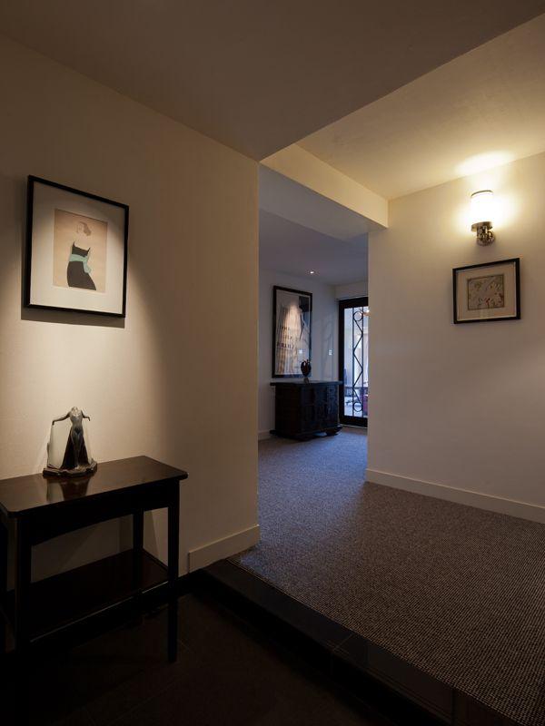 アールデコなどの上質なアンティーク家具の映える、モダンで質感高いマンションリフォーム