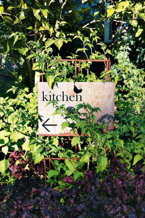 The Agrarian Kitchen at Lachlan in Derwent Valley is a unique farm based cooking school. #lachlan #tasmania #discovertasmania