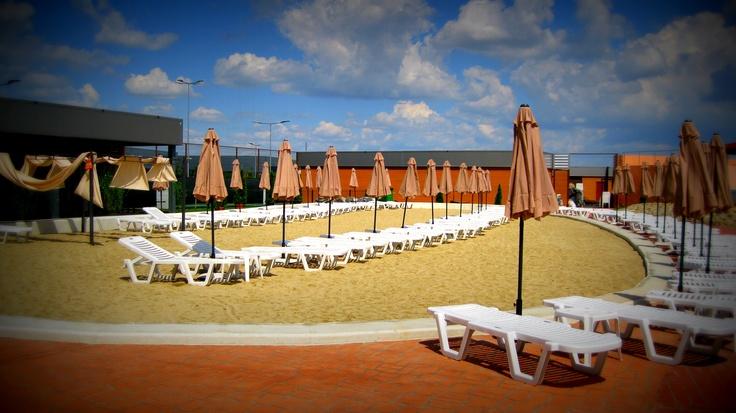 Nisipul fierbinte..  www.divertiland.ro