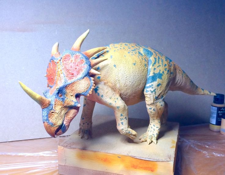Styracosaurus 1/12 scale 46 cm long in preparation by Alfonso Jaraiz..