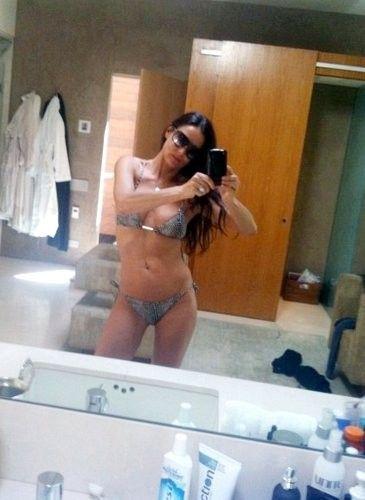 Demi Moore - People's Choice Awards Bikini Bodies - Photos