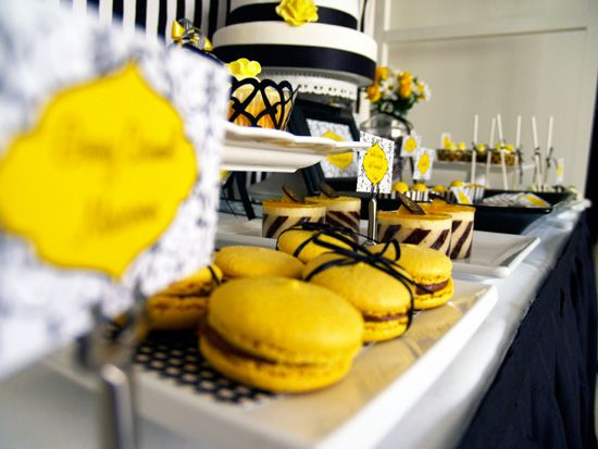 Brighten your big day with a little ray of sunshine and choose a Yellow themed wedding!