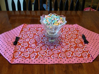 striving for elegance: 14 Days of Valentines: Day 8 - 10 minute table runner