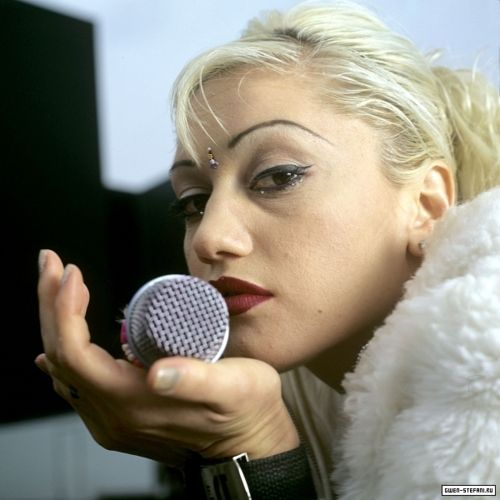 Gwen Stefani: 1996. The beauty look that inspired me in middle school to practice my winged liquid liner over and over again and want to wear red lipstick.