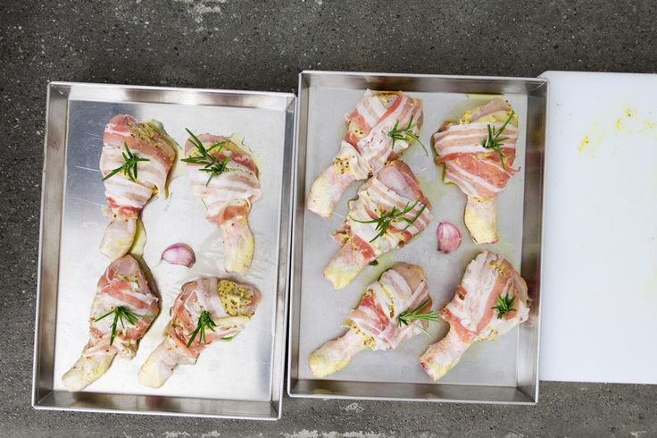 Le cosce di pollo alla senape, sono il piatto di cui ti innamori per la croccantezza e il gusto del risultato finale. Servono solo pochi aromi e il pollo
