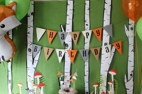 This Happy Birthday banner is customized to your prefered colors. Choose up to 4 colors for paper pennants. Font is in black as shown Customized baby shower, birthday party, pennant banner, woodland, fox