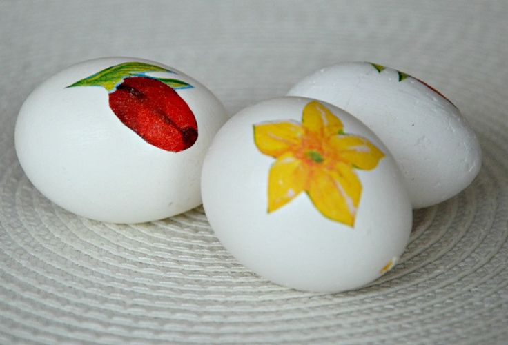 decoupage eggs https://www.facebook.com/pages/Handmade-by-Asia-Z/900838673269574?fref=photo