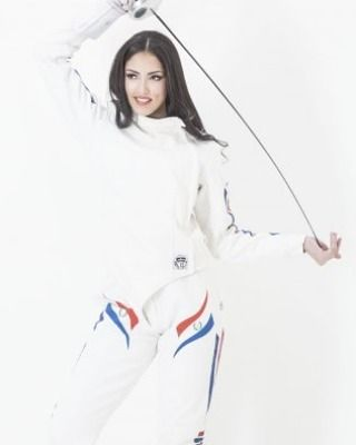 """456 Likes, 7 Comments - Women's Fencing (@womens.fencing) on Instagram: """"Fencer @montseviverosm #fencing #girl #fencinggirl #stronggirl #latinas #paraguay #paraguaya…"""""""
