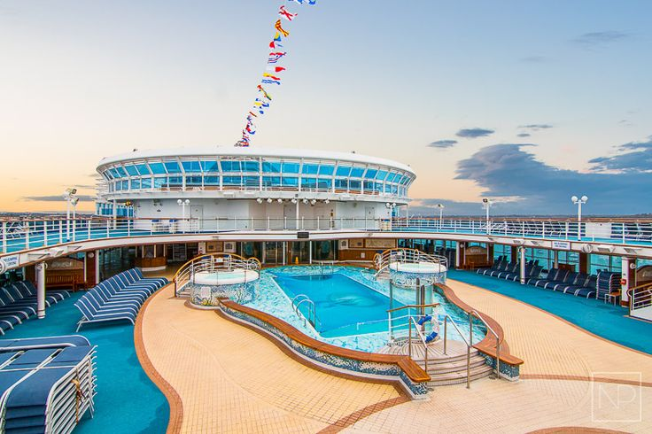 8 must-do's onboard Emerald Princess. #comebacknew Photo: Nutty Pear, Pool deck area, Princess cruises.