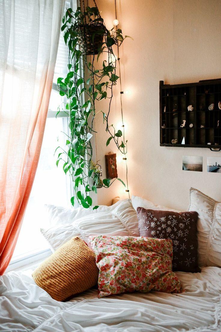 Urban Outfitters - Blog - US@UO: Rachel Clark | Bedroom | Urban Outfitters, Plants and Green Plants