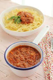 Hoy os voy a enseñar a preparar Salsa boloñesa , Salsa bolognesa  o Ragú bolognese , una receta tradicional italiana que ha traspasado f...