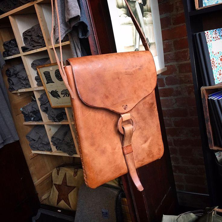 Leather bag. Large.