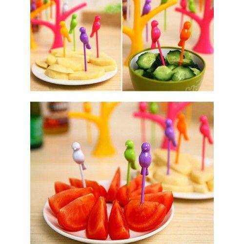 Kode : FO06 || IDR 28.000 || Pilihan Warna : White, Green, Yellow, Pink, Purple, Oranye || Harga yang tertera adalah harga satu set. Satu set terdiri dari 1 buah batang pohon dan 6 burung yang berwarna warni. Warna yang dipilih adalah warna batang pohonnya.