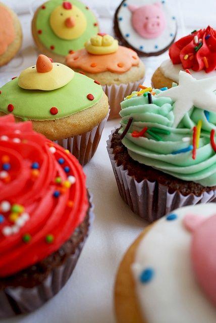 Vrolijke veganistische cupcakes voor een gezellig kinderpartijtje!