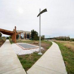 Virginia Science and Technology Campus wzbogacił się o pierwszą na świecie ścieżkę, która produkuje energię korzystając z promieni słonecznych. Jak to możliwe? WIęcej na: http://sztuka-krajobrazu.pl/660/slajdy/przestrzen-publiczna-ndash-sciezka-produkujaca-energie