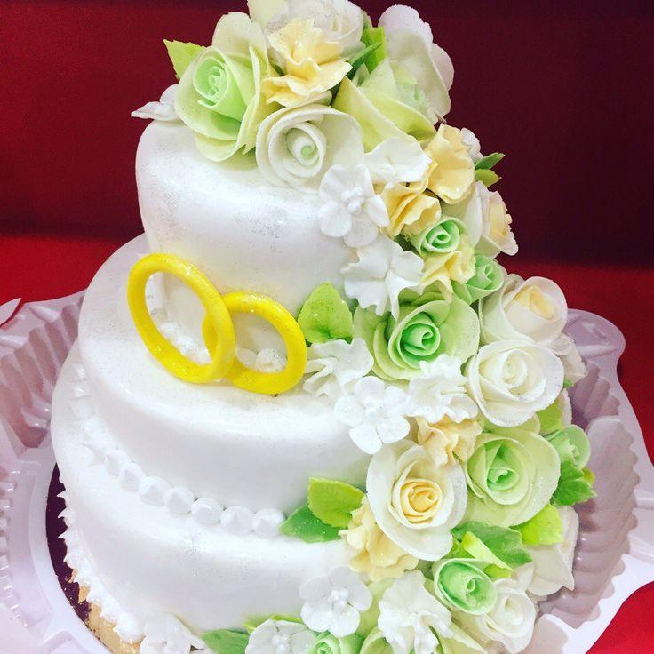 Свадебный торт! Нежность, Эстетика, Любовь, Мастерство! Наши кондитеры- профессионалы. Мы любим нашу работу! Наш девиз: Радовать Вас и Ваших гостей!