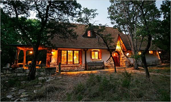 Gary Zuker's cob cottage in Texas--the NY Times had an article on how this senior systems analyst built his weekend getaway with no prior building experience.