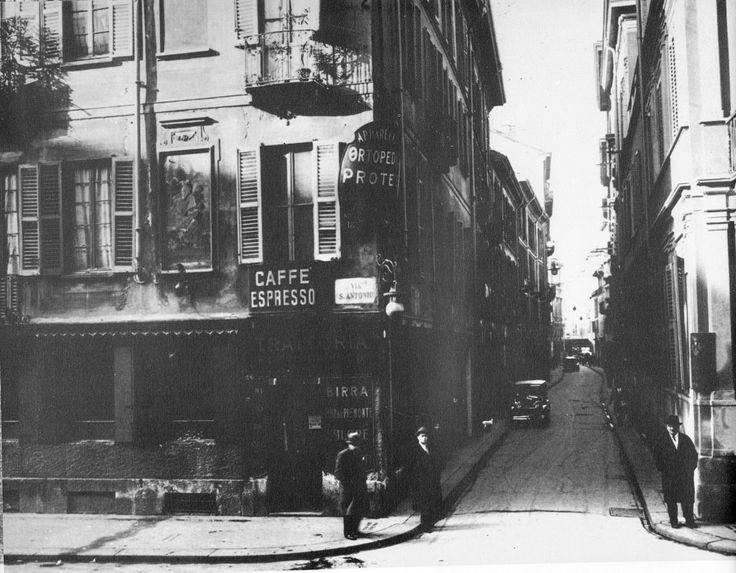 Bottonuto - a foto pare ripresa dallo sbocco di via Palletta dove incrociava via Sant'Antonio Oggi via Palletta non esiste più in quanto l'isolato che la separava da Largo Richini 1920-25 | da Milàn l'era inscì