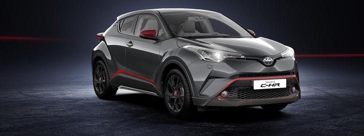 Design din Toyota C-HR. Vælg en af de tilgængelige motorer, vælg eksteriør og interiør og det ekstraudstyr der vil gøre Toyota C-HR til din helt egen.