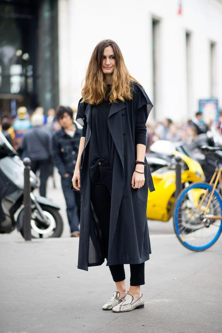 #IsabelleKountoure trenching it in black with loafers in Milan.