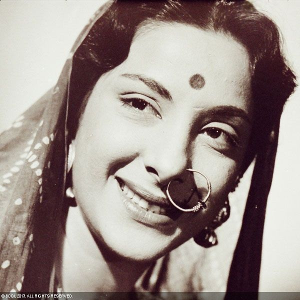 50 Beautiful Faces in Bollywood: Nargis