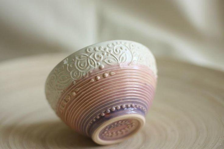 Миска - мороженица.  Ручная работа.  http://crafta.ua/products/30720-miska-morozhenica  #craftaua #handmade #ceramics #dishes #пиала #abowl #посуда #глина #керамика #авторскаякерамика #ручнаяработа