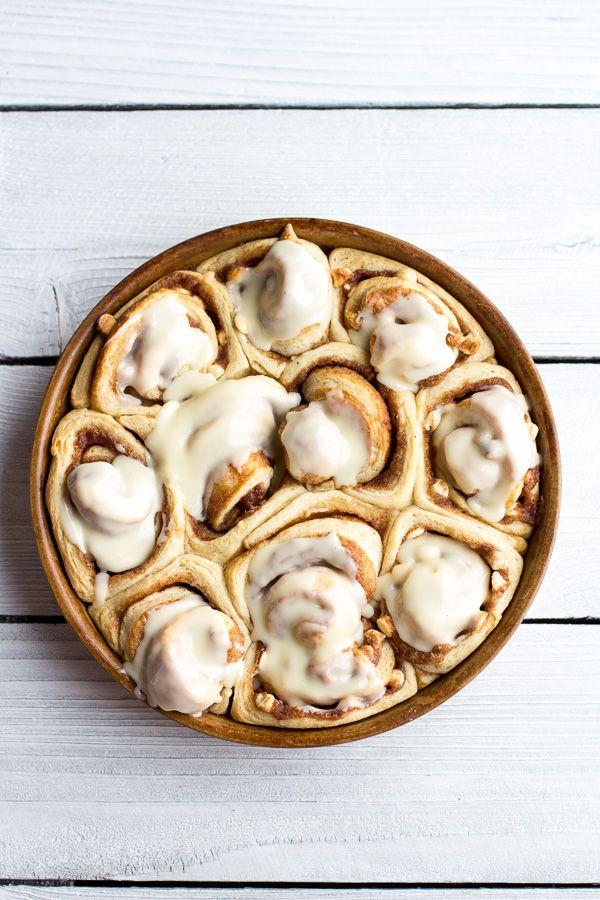 Easy Fluffy Eggnog Cinnamon Rolls