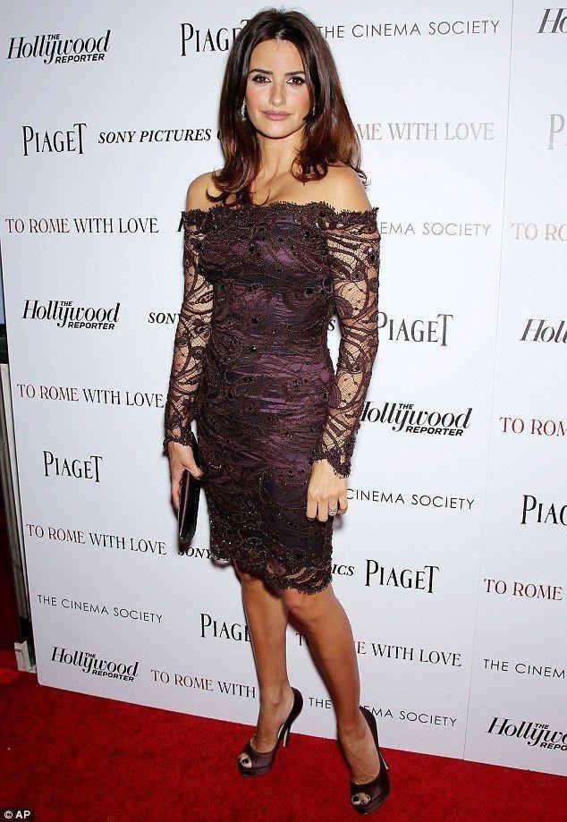 ca313c63a076 Penelope Cruz in a lovely plum lace dress!  CarpetsBestPrice ...