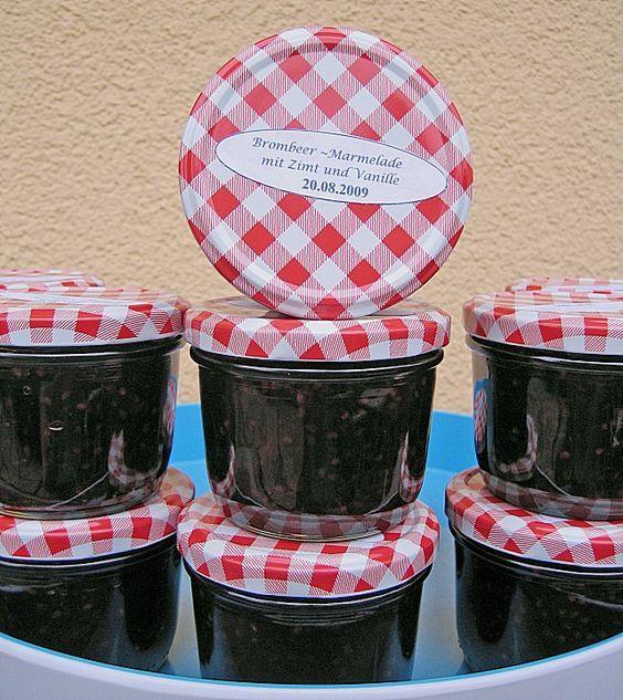 Brombeer - Marmelade mit Zimt und Vanille, ein sehr leckeres Rezept aus der Kategorie Kochen. Bewertungen: 16. Durchschnitt: Ø 3,7.