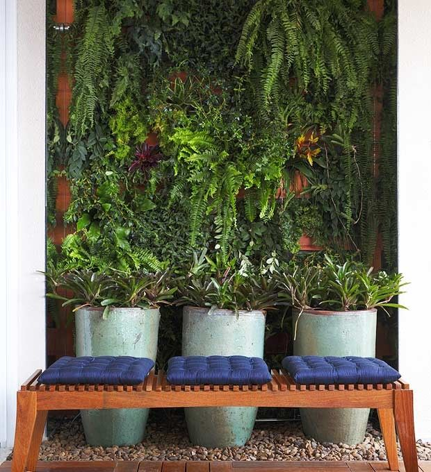jardim-vertical-suspenso-paisagista-Juliana-Freitas-blocos-de-cerâmica (Foto: Pedro Abude/Editora Globo)