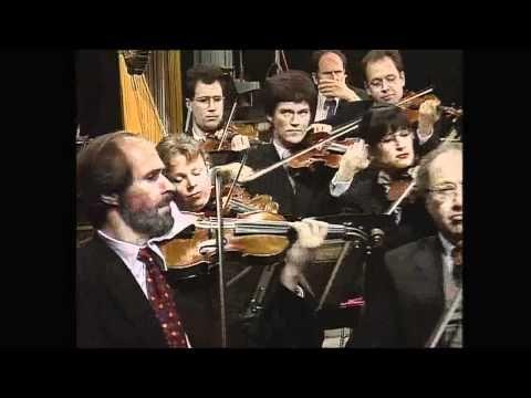 ▶ Tchaikovsky's Serenade for Strings - Seiji Ozawa - Berlin Phil - YouTube